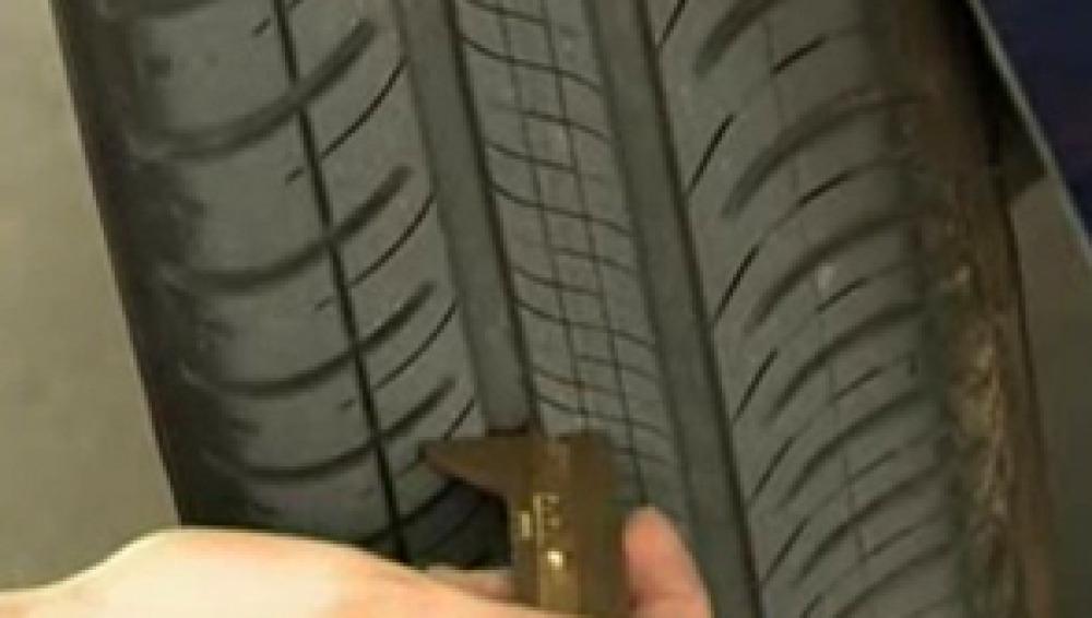 Más de un millón de vehículos circulan con los neumáticos en mal estado