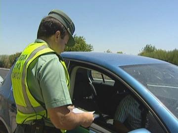 """La Guardia Civil puso 344.000 multas menos durante la huelga de """"bolis caídos"""""""