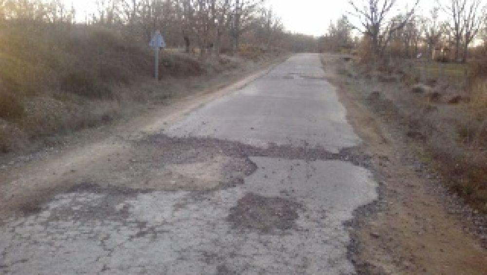 En algunos tramos desaparece la carretera<br>EN PROCESO DE REPARACIÓN</br>