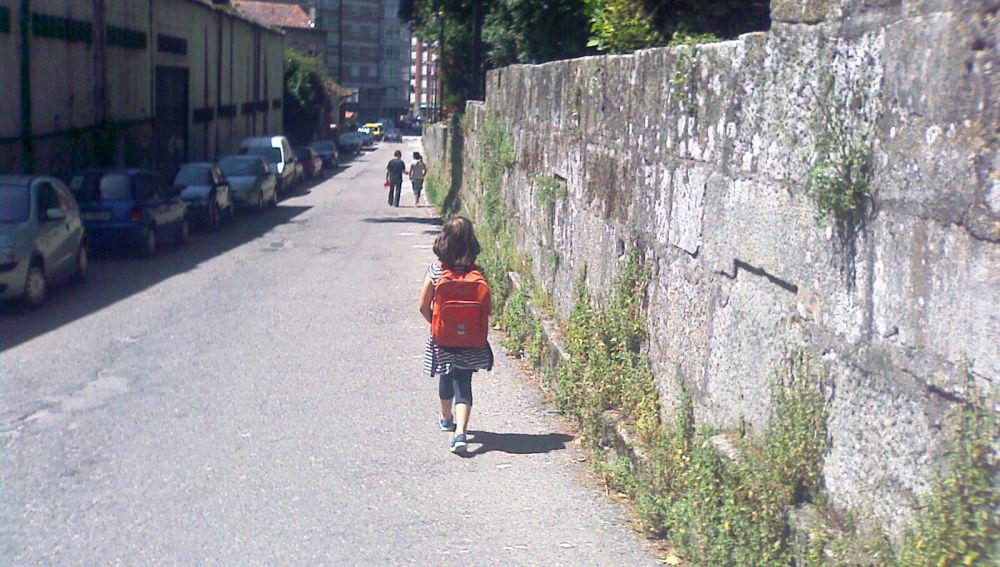 La vía de acceso al colegio está llena de peligros<br>EN PROCESO DE REPARACIÓN</br>