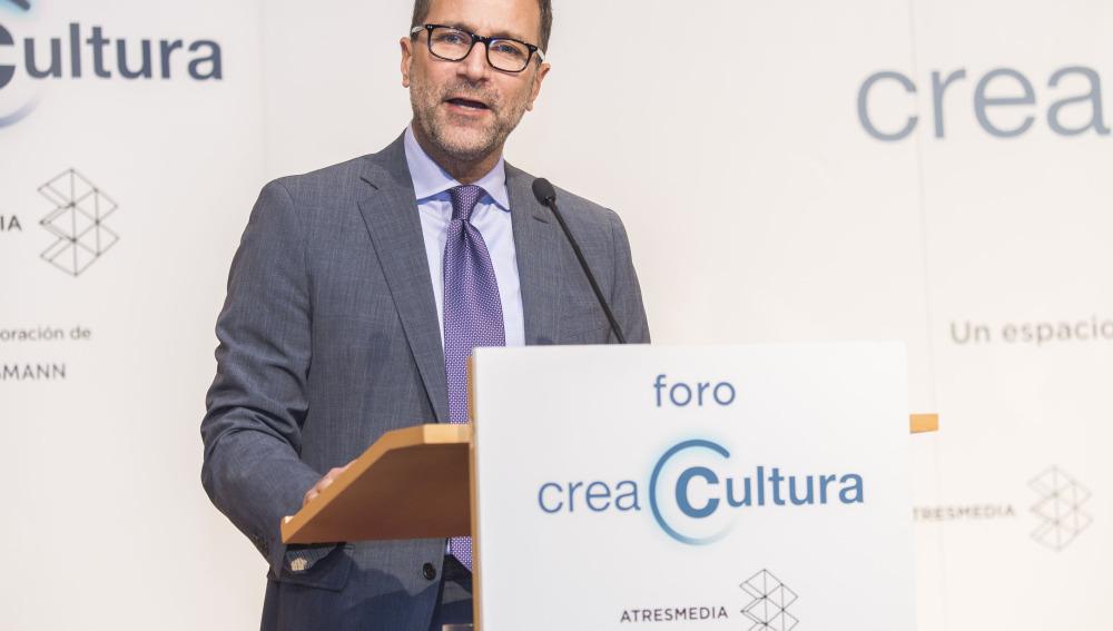 James Costos en el primer foro Crea Cultura