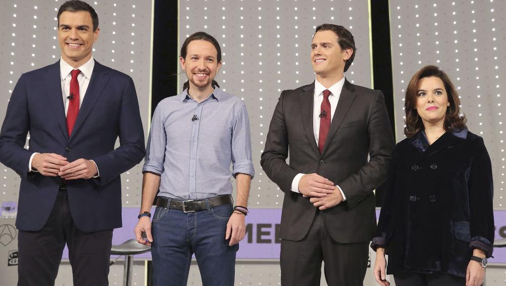 Foto de los cuatro participantes en el Debate 7D