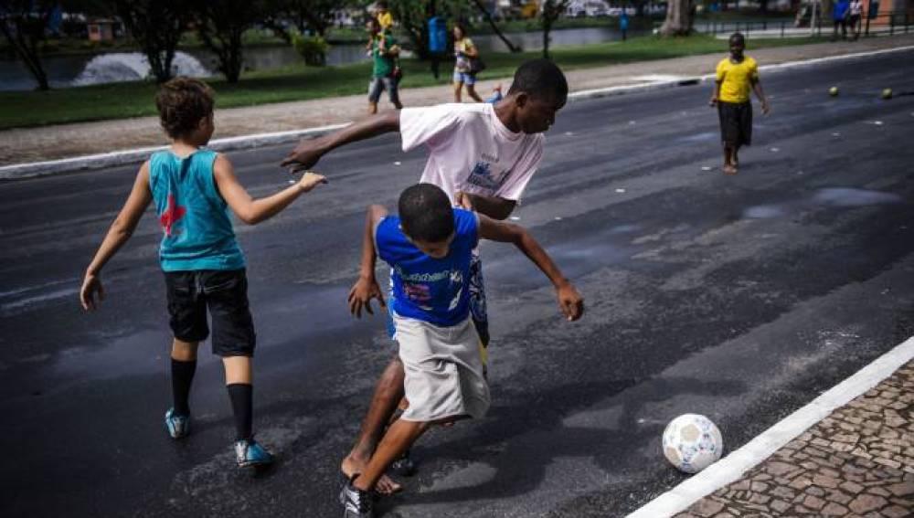 Objetivo Bienestar Junior Jugar Al Futbol En La Adolescencia