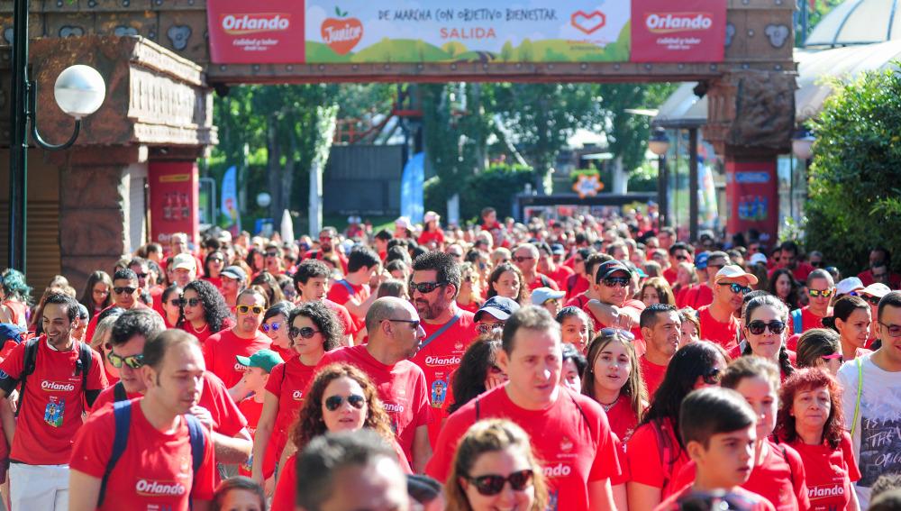 Miles de personas participan en la sexta edición de 'De Marcha con Objetivo Bienestar Junior'