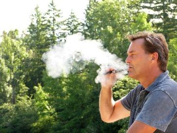 La contaminación daña a la salud tanto como el tabaco