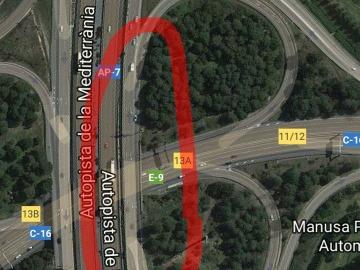 Peligrosa incorporación a lateral AP7 desde E9 salida 13A dirección Barcelona