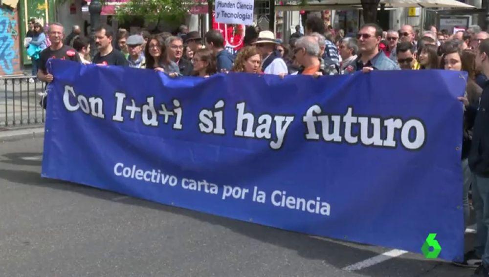 Investigadores denuncian la actual situación de la ciencia en España y recogen firmas para exigir más financiación