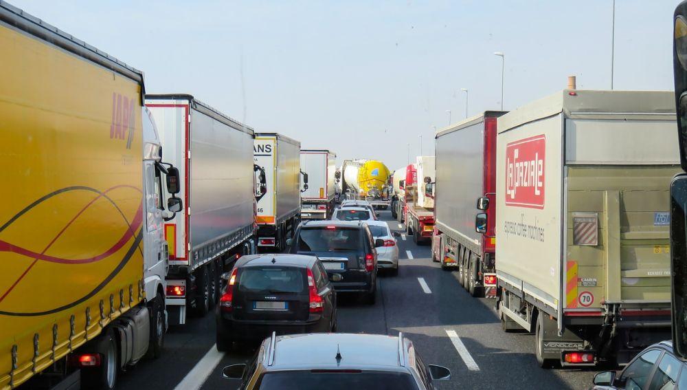 Tráfico aumenta los controles a camiones y autobuses, involucrados en el 11% de los accidentes de tráfico