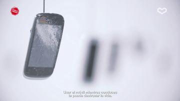 """Carlos Sainz: """"Hablar por teléfono al volante es tan peligroso como tener el doble de la tasa de alcohol permitida"""""""