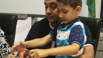 Implantan por primera vez en España un desfibrilador sin cables a un niño de 5 años