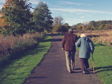 Las personas mayores que se rompen un hueso tienen más riesgo de fallecer durante los 10 años siguientes