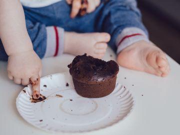 Los niños y adolescentes rozan la ingesta de azúcares añadidos recomendada por la OMS