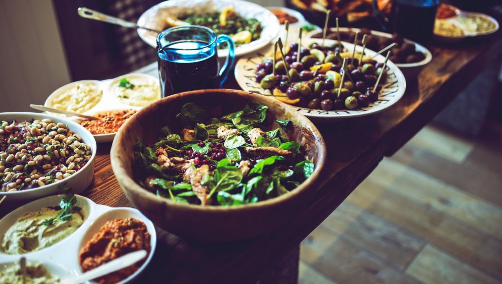 Descubren que la dieta mediterránea alarga la vida en mayores