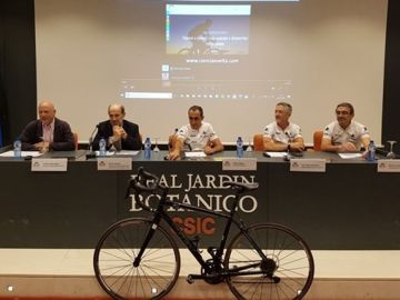 Cinco investigadores recorren España en bici para promover la divulgación científica