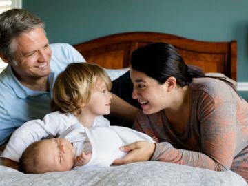 Familia formada por cuatro miembros