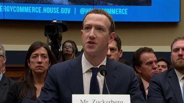 Facebook ha permitido a empresas, como Netflix y Spotify, acceder a los datos personales de sus usuarios y le han pillado