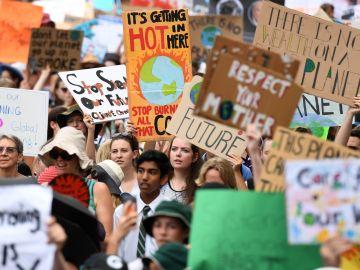 Jóvenes australianos se manifiestan como parte de las protestas de Fridays For Future