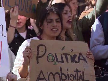'Fridays for future', la concentración de estudiantes contra el cambio climático llega a Madrid