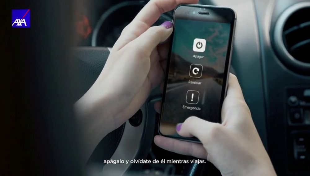 Si vas a conducir, activa el modo vacaciones y evita usar el móvil al volante