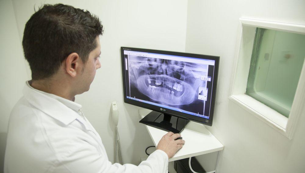 Radiografía de una mandíbula