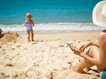 Disfruta del verano siendo responsable con tu uso de la tecnología y el de tus hijos