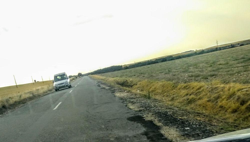 Pésimo estado de la carretera SG-322 en el tramo Marugán-Bercial