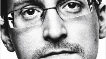Portada de 'Vigilancia permanente' de Edward Snowden.