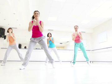 ¡Apúntate a una actividad física grupal!