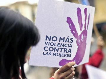 Pancarta en una manifestación contra la violencia de género.