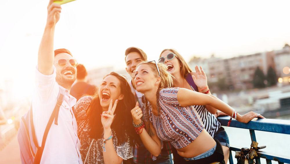 Cada español nos hemos hecho de media 700 selfies en el 2019