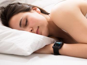 Las pulseras de actividad pueden convertir nuestro control del sueño en una obsesión.