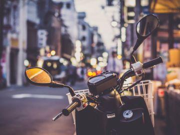 Un ciclomotor