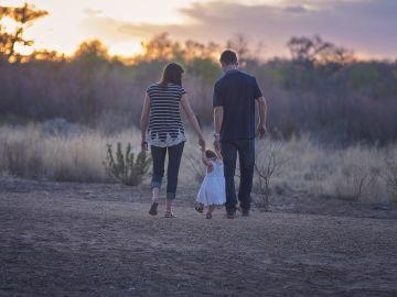 Padres con su hija