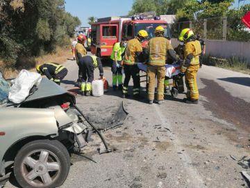 Accidente de tráfico en la carretera La Marina de Elche.