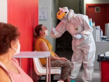 Pruebas PCR en un centro de salud de Andorra