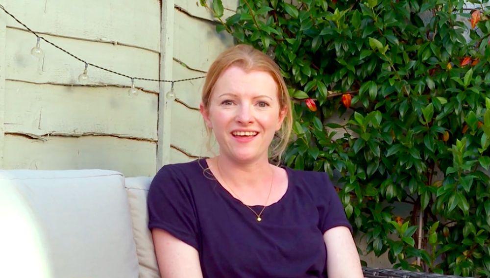 Elizabeth Kay habla sobre su primera novela 'Siete secretos'