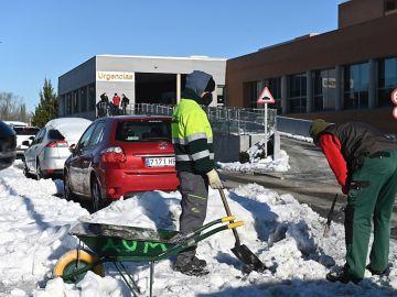 Nieve hoy en Madrid, Aragón, Cataluña y Castilla - La Mancha: carreteras cortadas y últimas noticias de la ola de frío en España