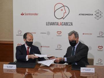 ami Aboukhair, consejero delegado de Santander España, y Silvio González, consejero delegado de Atresmedia