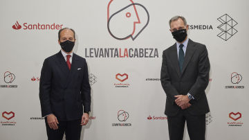 consejero delegado de Santander España, Rami Aboukhair, y el consejero delegado de Atresmedia, Silvio González.