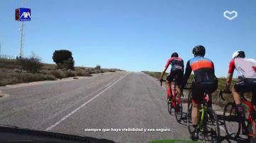 Puedes pisar la línea continua para adelantar a una bicicleta siempre que haya visibilidad y sea seguro