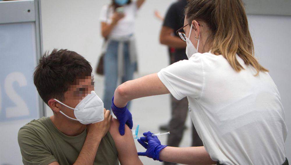 Coronavirus España: Padres divorciados van a los tribunales por la vacuna covid de sus hijos
