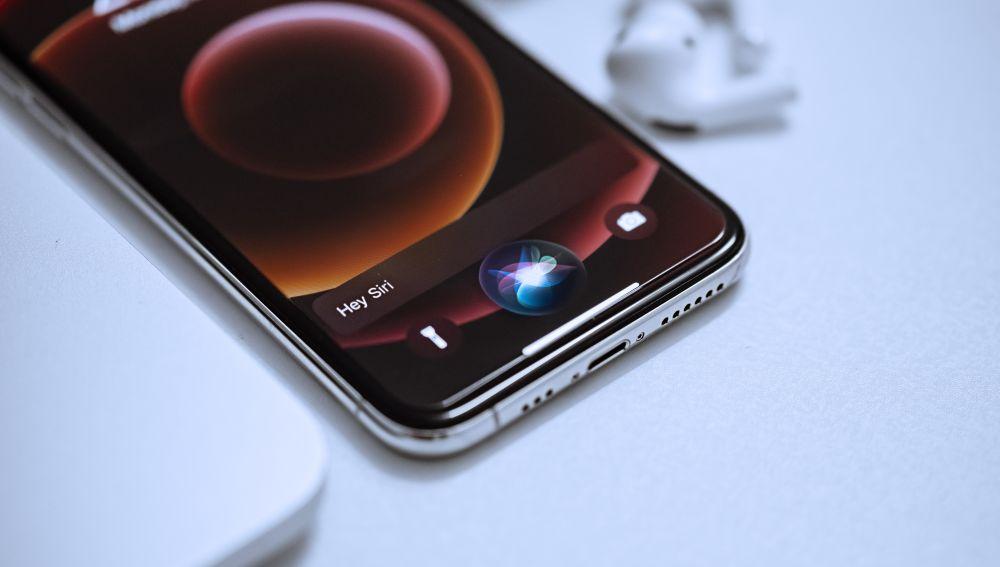 Siri, asistente de voz de Apple.