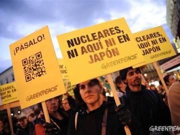 Manifestantes contra la energía nuclear