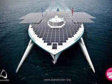 PlanetSolar, la embarcación más grande del mundo propulsada con energía solar,