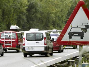 Enorme afluencia de vehículos en las carreteras españolas