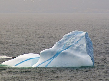 Los icebergs sacan sus colores en la Antártica