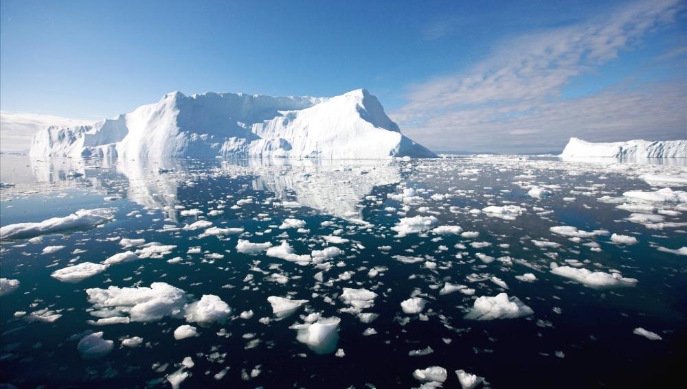 El deshielo del Ártico provoca olas de hasta cinco metros