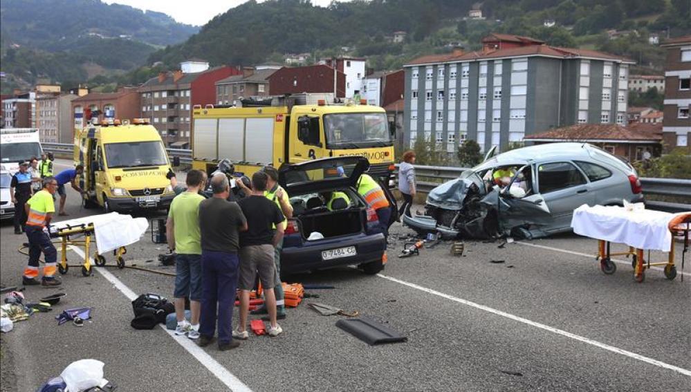 Accidente en la carretera AS-117