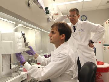 Investigadores buscan una vacuna contra el ébola en EEUU