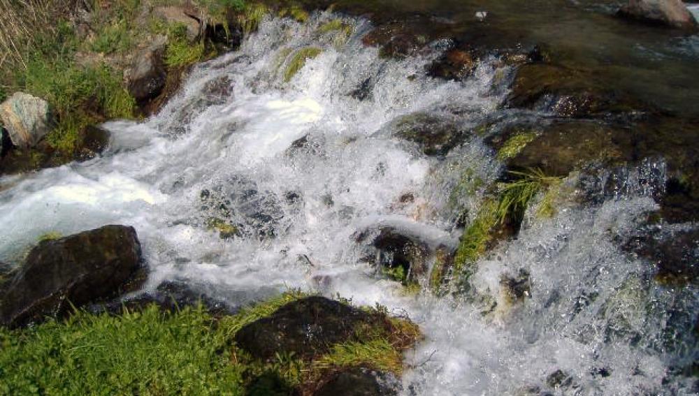 Aumenta dos grados la temperatura del agua de Sierra Nevada